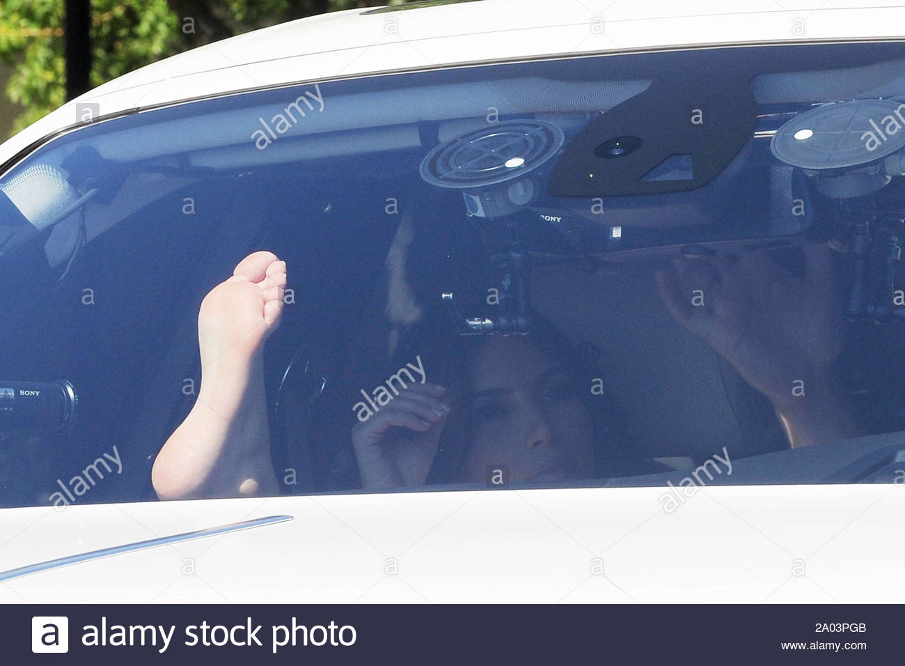 kim kardashian feet pics