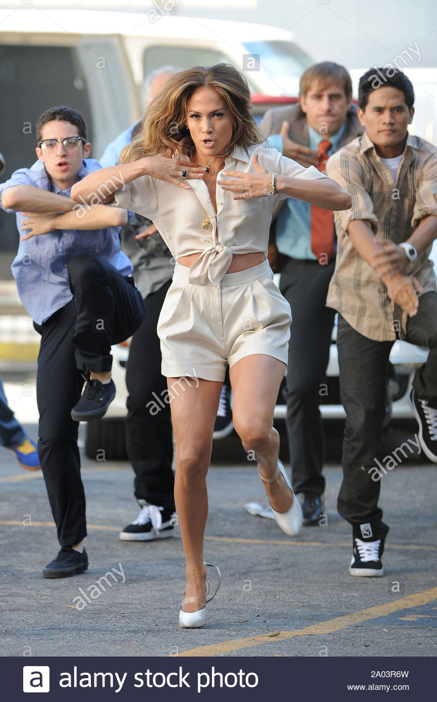 Los Angeles Ca Jennifer Lopez Gets Back To Her Roots As A Fly Girl On The