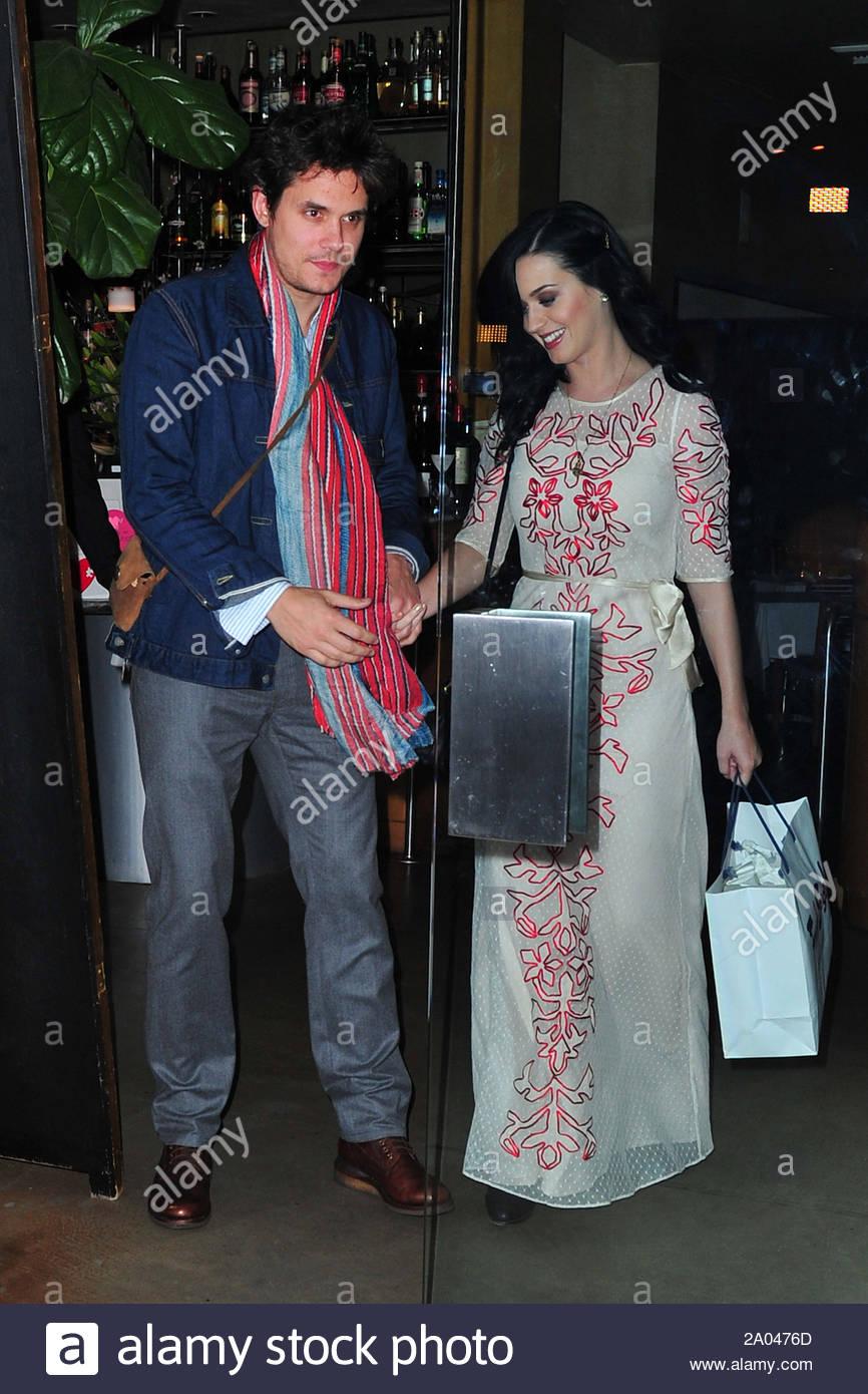 Er Katy Perry dating noen 2013