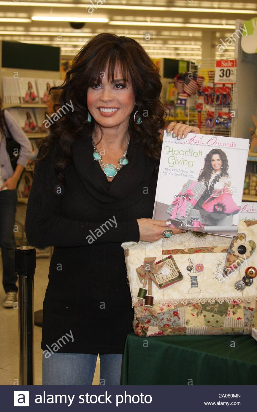 Las Vegas Nv Marie Osmond Promoted Her New Book Heartfelt