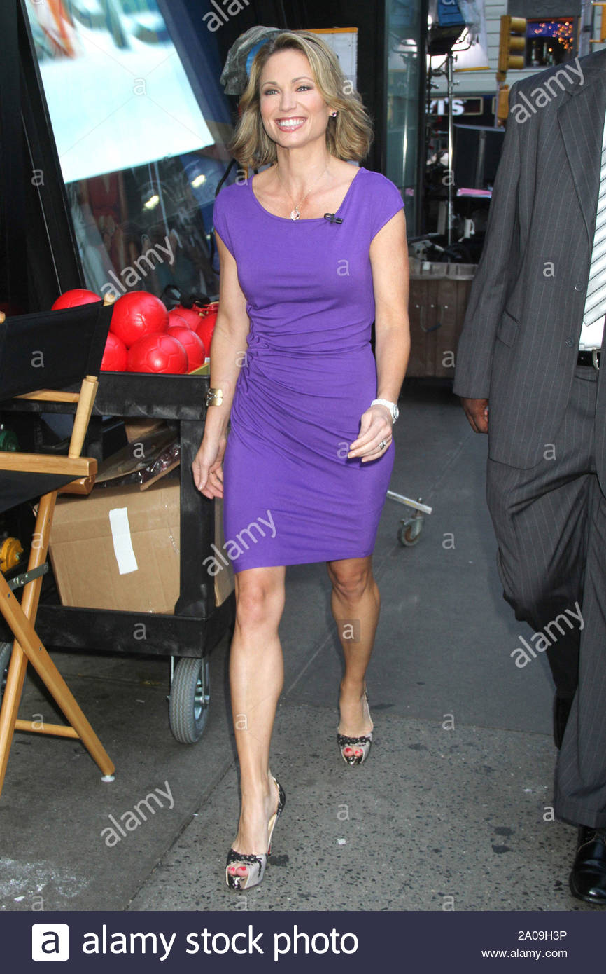 """New York, NY - Amy Robach arrives in New York for """"Good Morning America"""". AKM-GSI August 6, 2012 Stock Photo"""