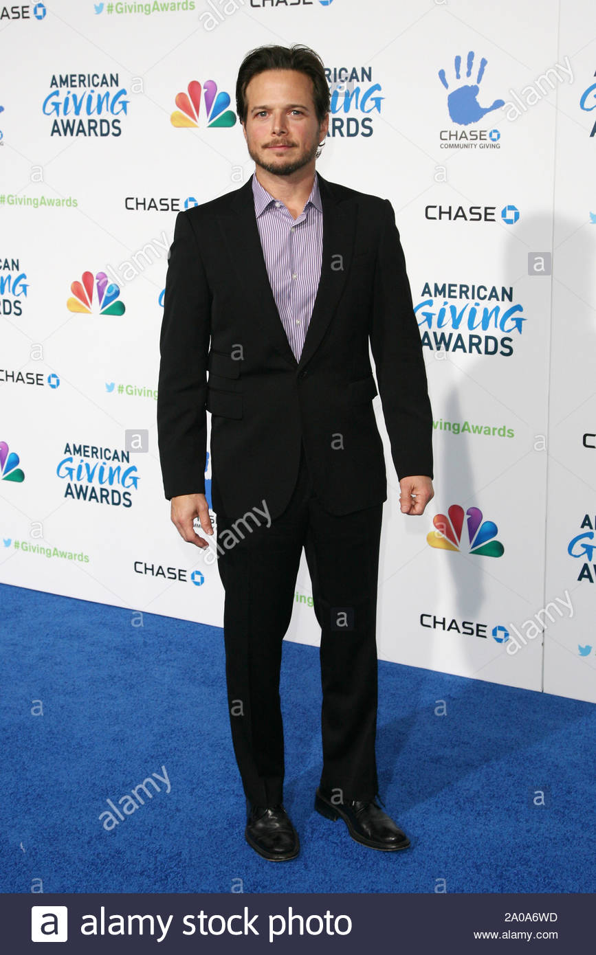 Pasadena, CA - Scott Wolf arrives at the 2012 American Giving Awards, presented by Chase, held at the Pasadena Civic Auditorium. AKM-GSI December 7, 2012 Stock Photo