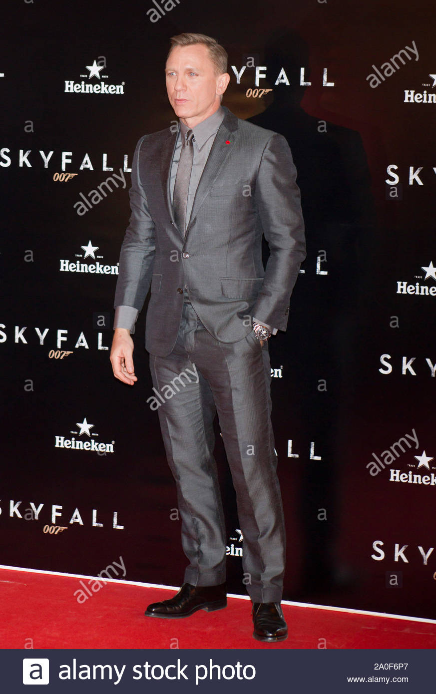 """Madrid, Spain - Actor Daniel Craig attends the """"Skyfall"""" premiere held at the Espanol Theater in Madrid, Spain. AKM-GSI October 29, 2012 Stock Photo"""