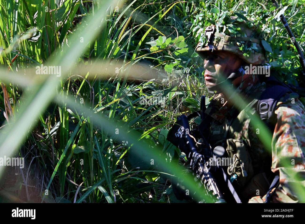 Yamato, Japan. 19th Sep, 2019. Soldier of the Japan Ground Self-Defense Force in the joint military training 'Orient Shield 2019' of the USA and Japan on the Oyanohara troop-pad. Yamato, 19.09.2019 | usage worldwide Credit: dpa/Alamy Live News Stock Photo