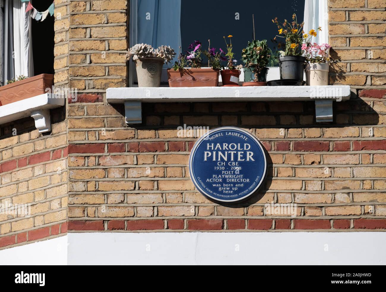 Blue Plaque for Harold Pinter on Thistlewaite Road, Clapton, Hackney, East London. Stock Photo