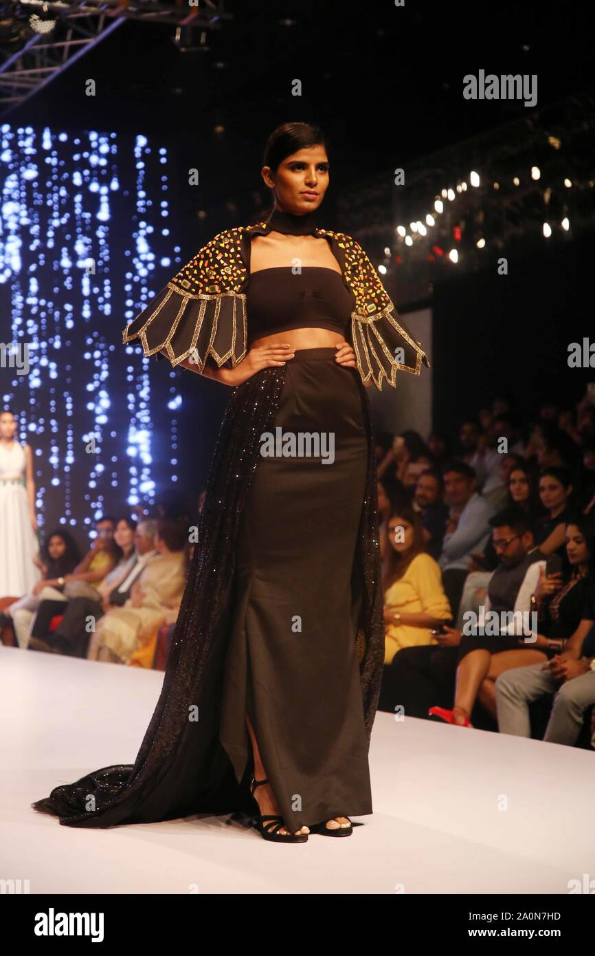 Dhaka Fashion Week High Resolution Stock Photography And Images Alamy