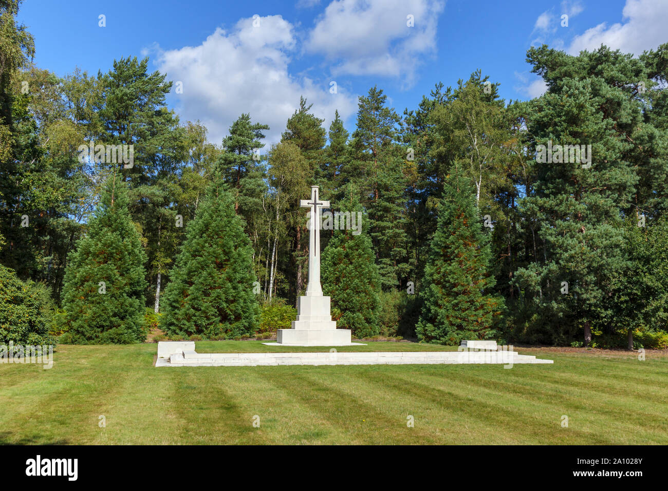 Memorial cross in the Canadian Section of the Military Cemetery at Brookwood Cemetery, Pirbright, Woking, Surrey, southeast England, UK Stock Photo