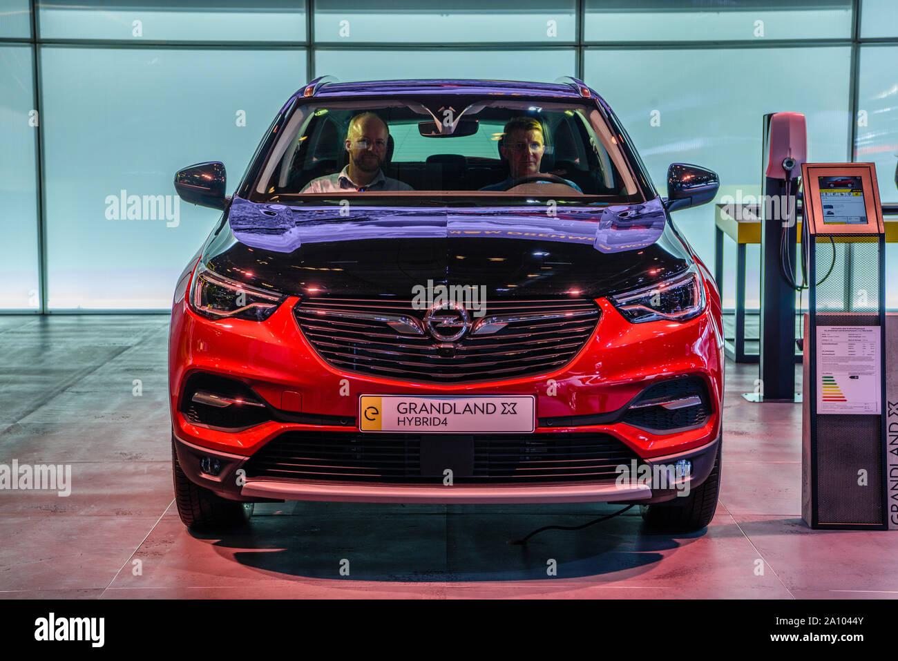 2019 Opel Grandland X Hybrid4 Release Date >> Opel Grandland X Stock Photos Opel Grandland X Stock