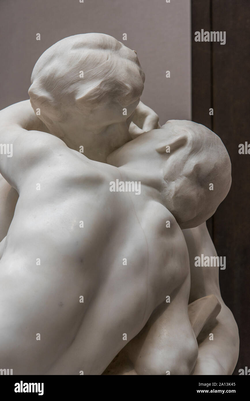 Skulpture of a kissing Couple by Auguste Rodin Stock Photo