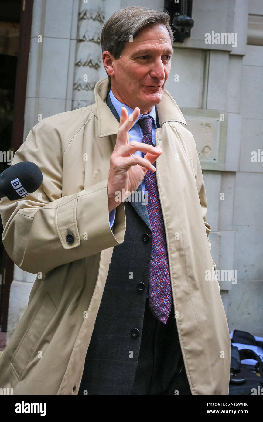 Westminster, London, UK, 24th Sep 2019. Dominic Grieve, QC, former Attorney General for England and Wales and Advocate General for Northern Ireland, and Conservative MP who had the whip withdrawn by Boris Johnson a few weeks ago. Politicians and commentators from all parties are in high demand around Millbank Studios, College Green and the court building to comment on today's judgement. Credit: Imageplotter/Alamy Live News Stock Photo