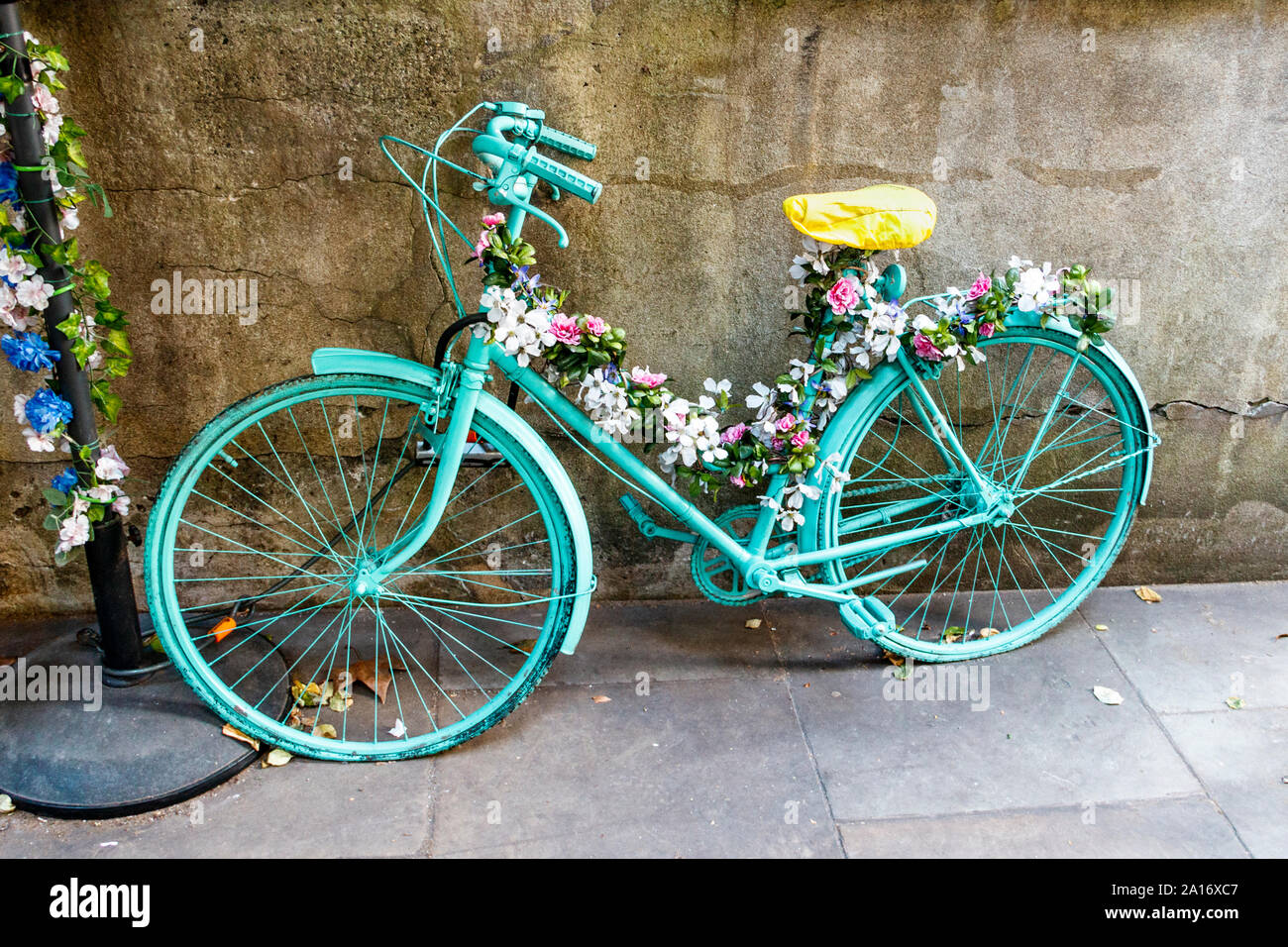 Bike Painted Green High Resolution Stock Photography And Images Alamy