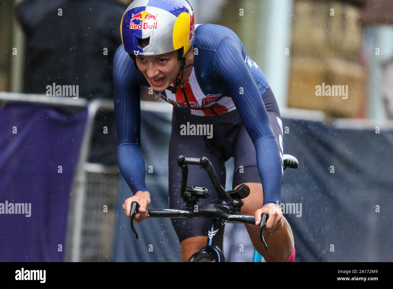 Harrogate, UK. 24th September 2019. Chloe Dygert of the USA crosses the line to take gold 2019 UCI Road World Championships Womens Elite Individual Time Trial. September 24, 2019 Credit Dan-Cooke/Alamy Live News Stock Photo