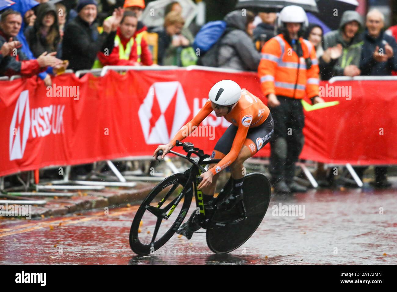 Harrogate, UK. 24th September 2019. Annemiek Van Vleuten   of the Nethlerlands crosses the line to take Bronze in the 2019 UCI Road World Championships Womens Elite Individual Time Trial. September 24, 2019 Credit Dan-Cooke/Alamy Live News Stock Photo