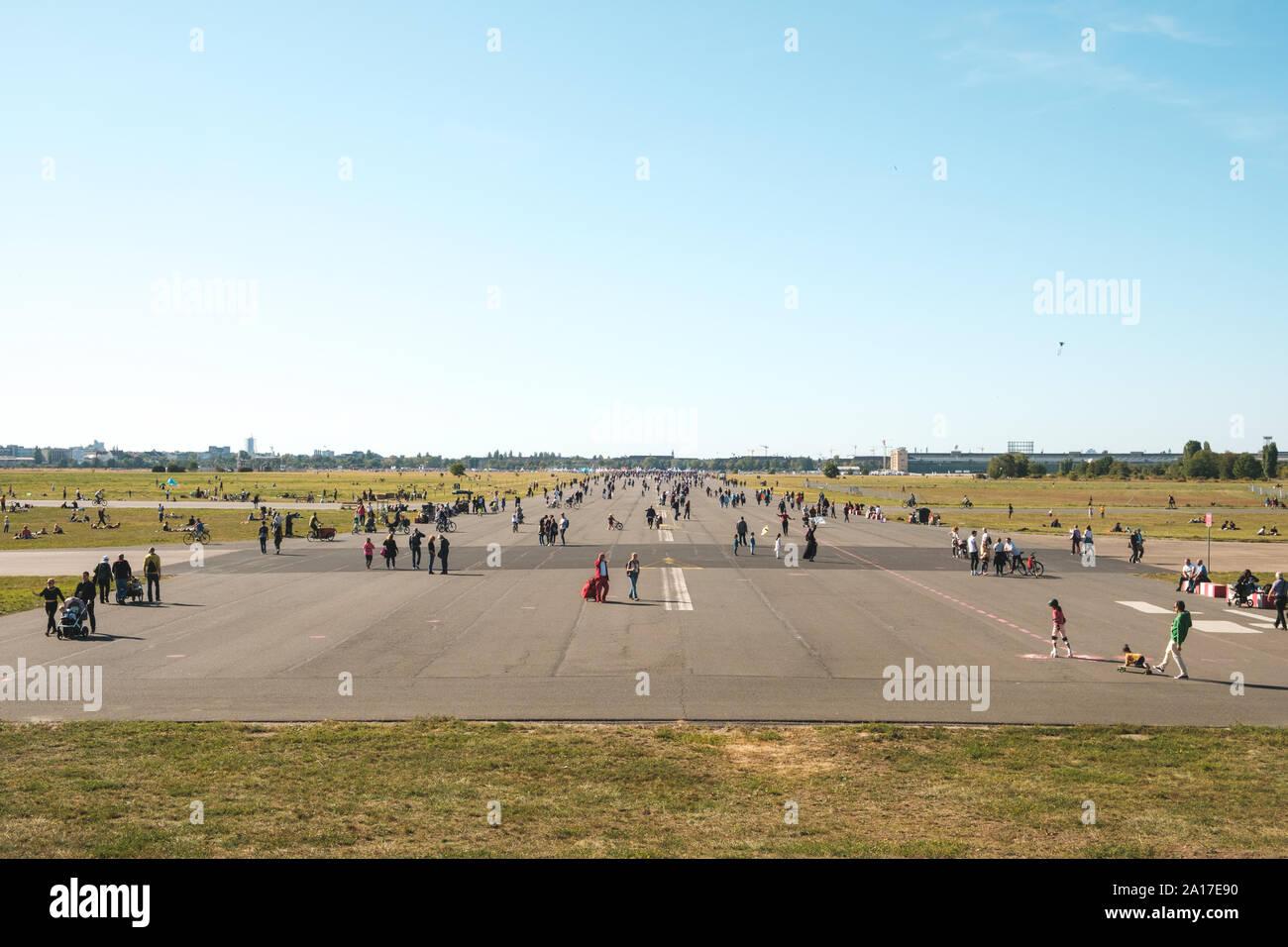 Berlin Tempelhof Playing Stock Photos Berlin Tempelhof