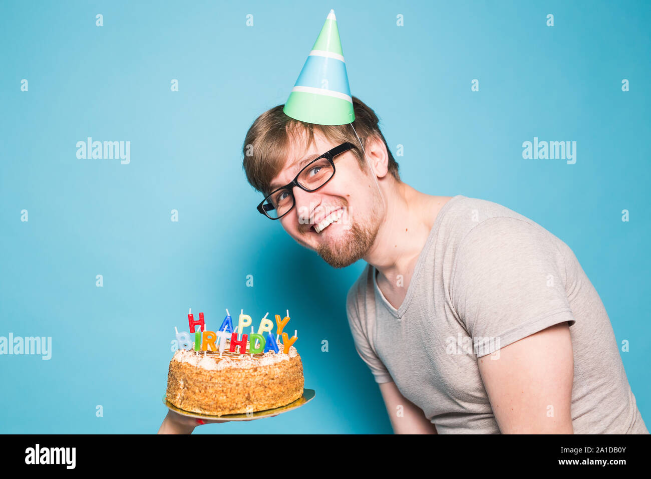 Pleasing Crazy Funny Positive Guy Hipster Holding A Happy Birthday Cake In Personalised Birthday Cards Beptaeletsinfo