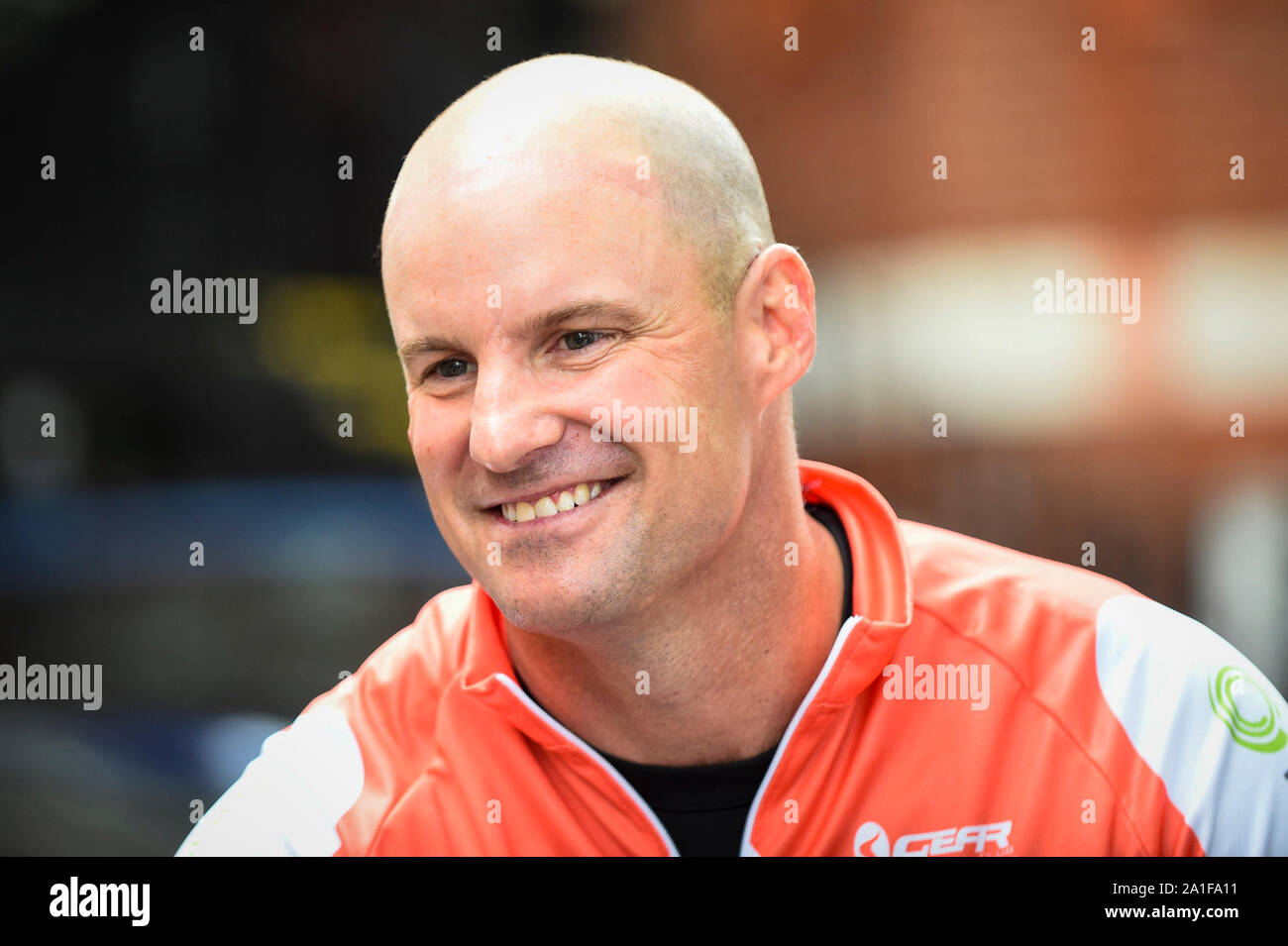 London, UK.  26 September 2019.  Former England cricket captain, Sir Andrew Strauss visits The Royal Marsden during the Breathe for Life Cycle Challenge, a community cycle relay from Lands End to John O Groats, comprising engaged patients, local cycle clubs, interested individuals, doctors and nurses and scientific experts.  Funds are being raised for the Ruth Strauss Foundation and ALK-positive UK Lung Cancer charity.  Sir Strauss's wife Ruth died from ALK+ lung cancer.  Credit: Stephen Chung / Alamy Live News Stock Photo