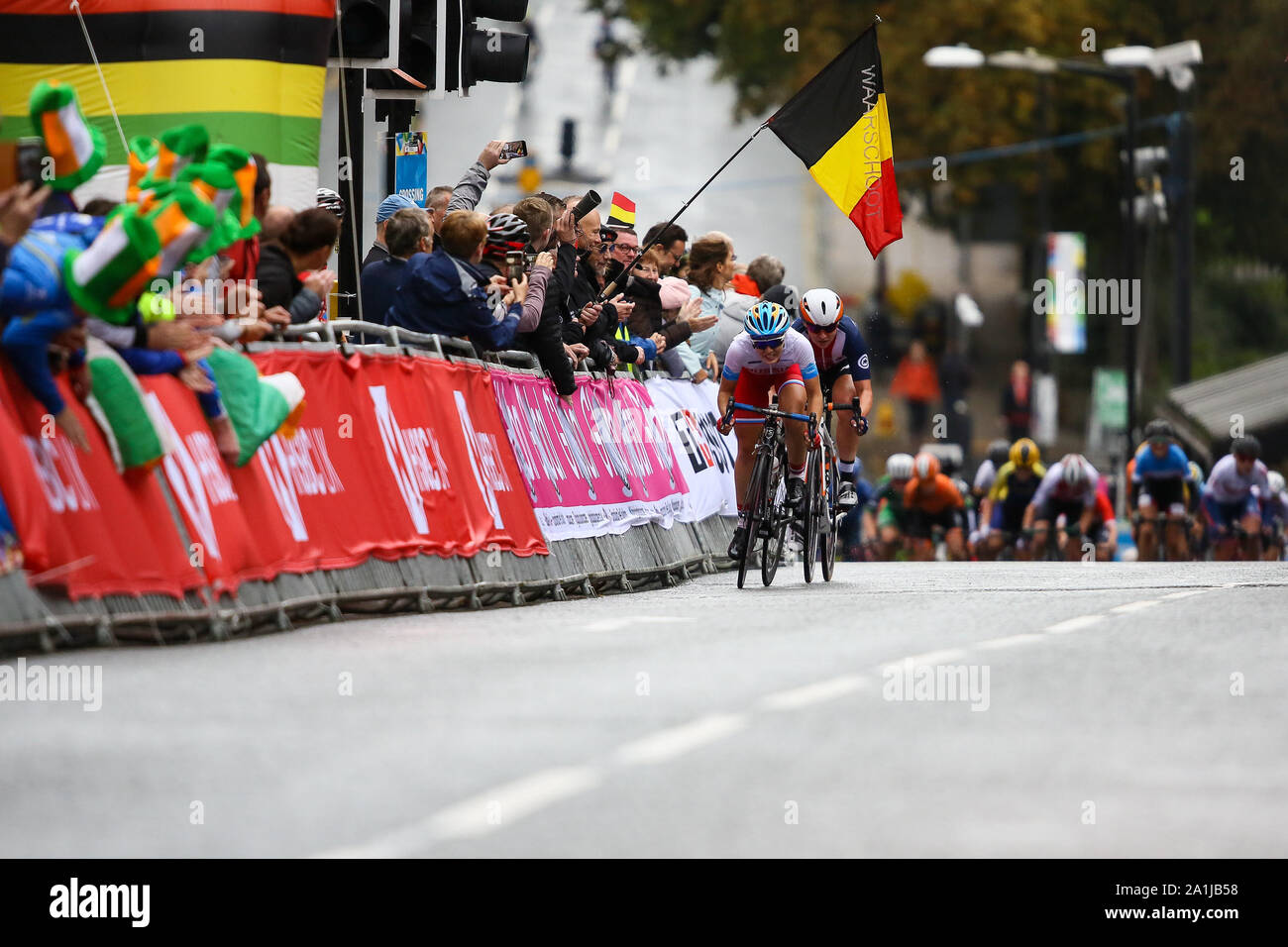 Harrogate, UK. 27th September 2019. Aigul Gareeva  of Russia and Megan Jastrab  of the USA hold off the chasing peloton going into the finish straight at the 2019 UCI Road World Championships Womens Junior Road Race. September 27, 2019 Credit Dan-Cooke/Alamy Live News Stock Photo
