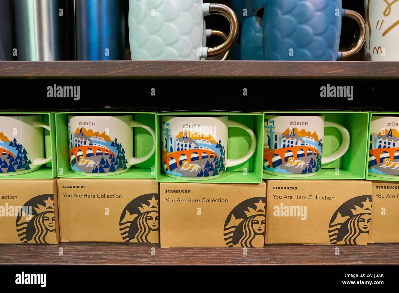 Zurich Switzerland Circa October 2018 Mugs On Display At Starbucks Coffee In Zurich Stock Photo Alamy