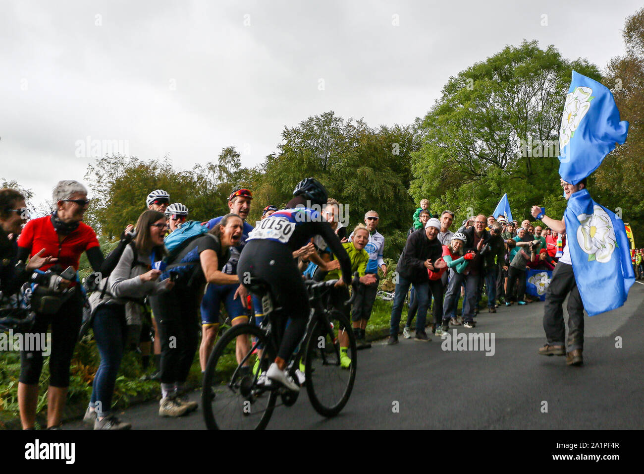 Harrogate, UK. 28th Sep, 2019. Noura Alomairi of Kuwait tackles the first climb of the day at the 2019 UCI Road World Championships Womens Elite Road Race. September 28, 2019 Credit Dan-Cooke/Alamy Live News Stock Photo