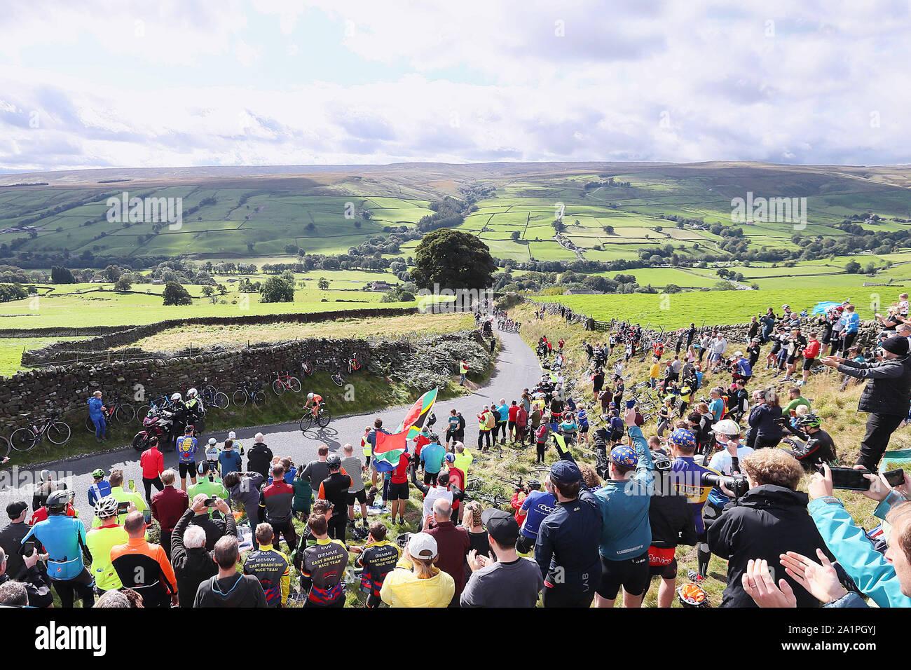 Harrogate, UK. 28th Sep, 2019. HARROGATE, 29-09-2019, cycling, wk wielrennen, worldchampionships, women, Annemiek van Vleuten attacks early Credit: Pro Shots/Alamy Live News Stock Photo