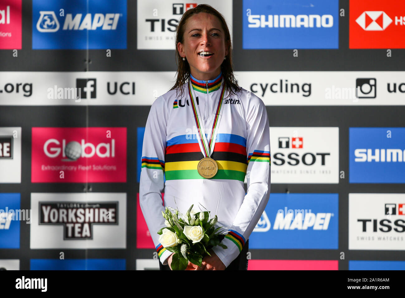 Harrogate, UK. 28th Sep, 2019. Annemiek Van Vleuten of the Netherlands takes Gold with a time of 4:06:05 in the 2019 UCI Road World Championships Womens Elite Road Race. September 28, 2019 Credit Dan-Cooke/Alamy Live News Stock Photo