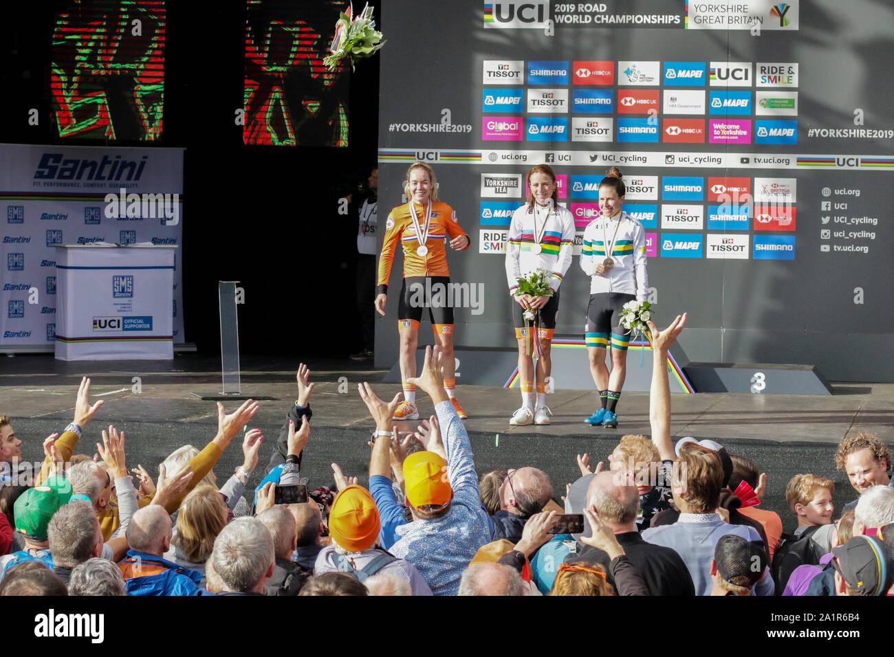 Harrogate, UK. 28th Sep, 2019. Annemiek Van Vleuten of the Netherlands takes Gold Anna Van Der Breggen also of the Netherlands takes Silver and Amanda Spratt of Australia takes Bronze in the 2019 UCI Road World Championships Womens Elite Road Race. September 28, 2019 Credit Dan-Cooke/Alamy Live News Stock Photo