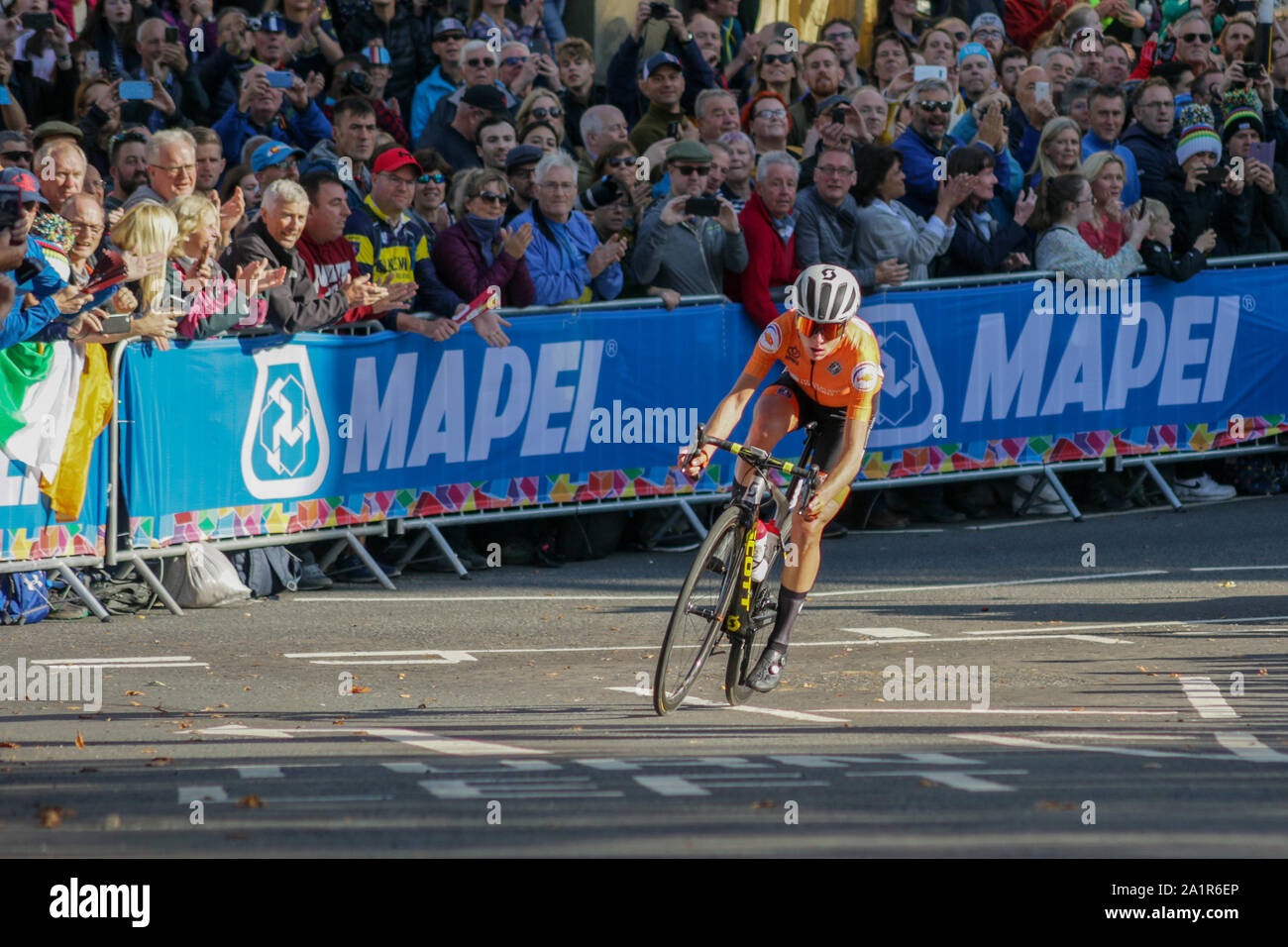 Harrogate, UK. 28th Sep, 2019. Annemiek Van Vleuten of the Netherlands tackles one of the many hills on the Harrogate circuit before crossing the line in first place in the 2019 UCI Road World Championships Womens Elite Road Race. September 28, 2019 Credit Dan-Cooke/Alamy Live News Stock Photo