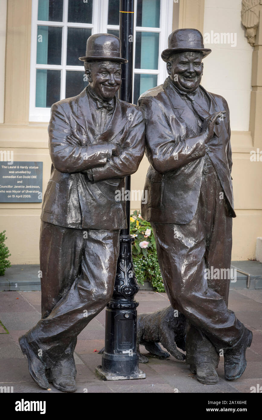 Statue in memory of Stan Laurel and Oliver Hardy in Ulverston. Stock Photo
