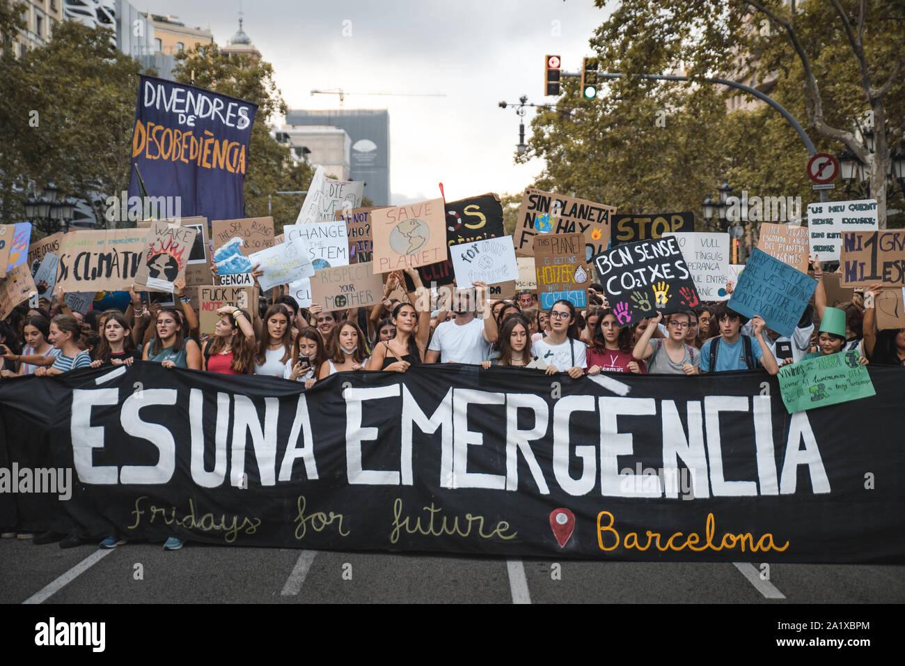 Unas 20.000 personas se manifestaron el pasado viernes 27 de Septiembre en contra de la inactividad de los gobiernos respeto al cambio climático. Stock Photo