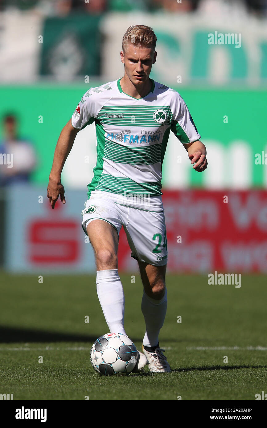 29 September 2019 Bavaria Furth Soccer 2nd Bundesliga Spvgg Greuther Furth Holstein Kiel 8th Matchday At The Sportpark Ronhof Thomas Sommer Maximilian Sauer From Furth Plays The Ball Photo Daniel Karmann Dpa