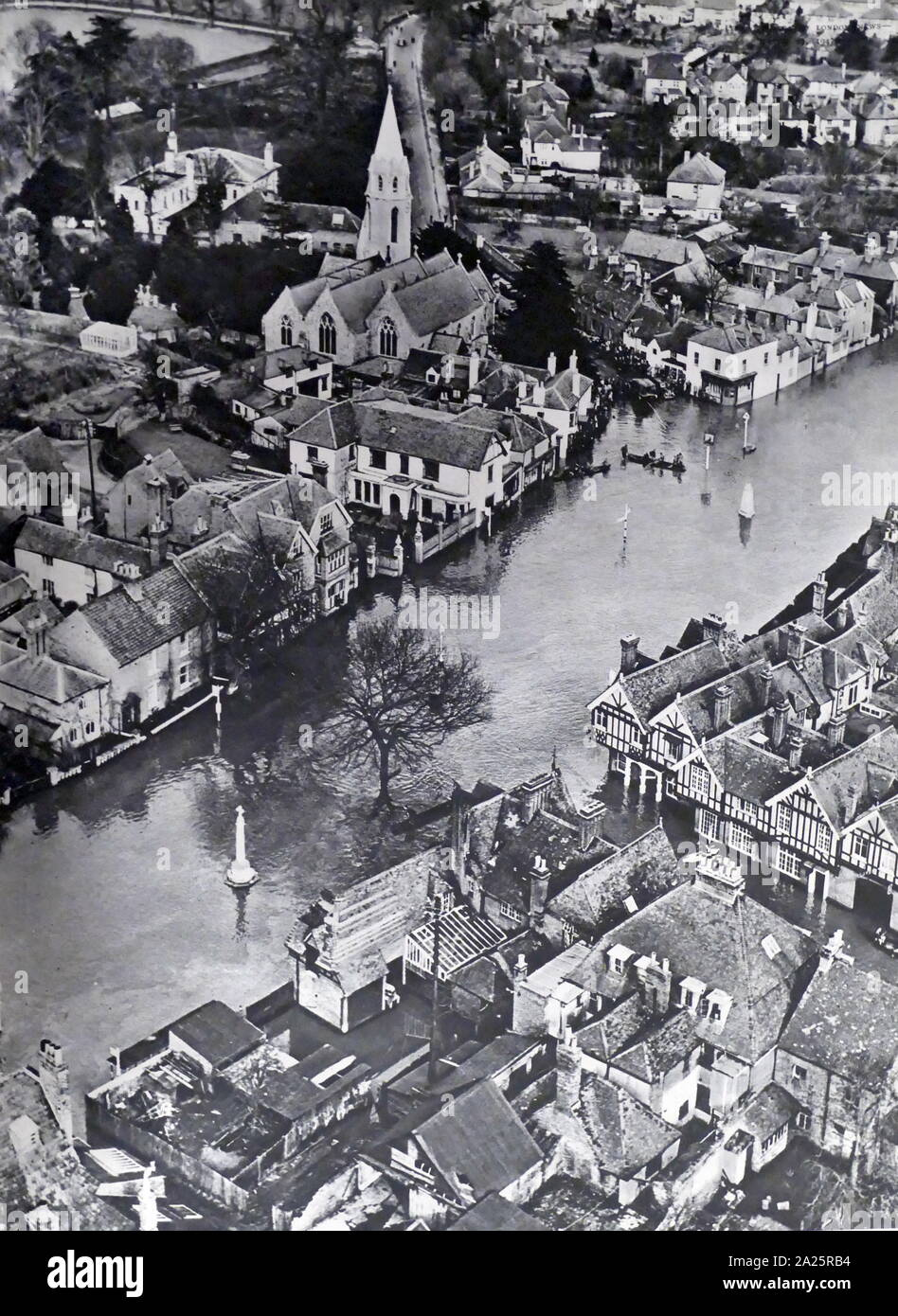 Flooding of the Thames in Windsor, Berkshire, 1947 Stock Photo