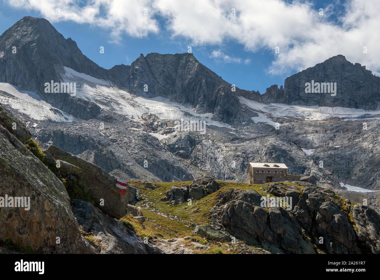 Richterhütte alpine refuge. Rainbachtal valley. Rainbach-Schwarzkopf peak.  Zillertaler Alps. Hohe Tauern National Park. Austrian Alps. Stock Photo