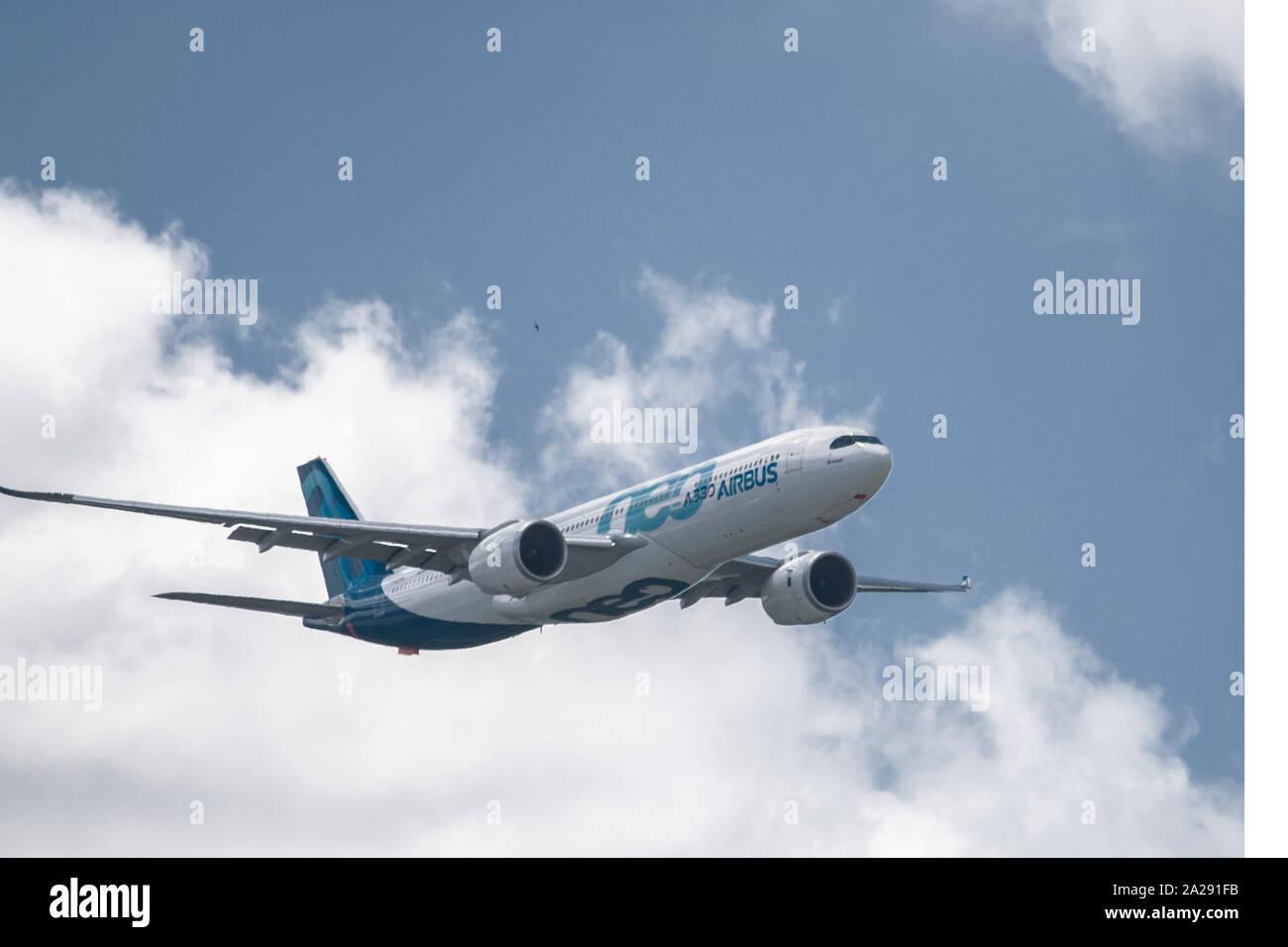 Présentation en vol Airbus A330 neo, au salon du Bourget 2019 Stock Photo