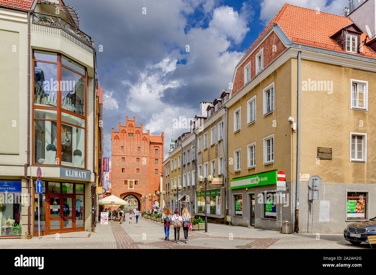 Olsztyn (ger.: Allenstein), Warmian-mazurian province, Poland. The Old Town Marketplace  with the High Gate in the background. Stock Photo