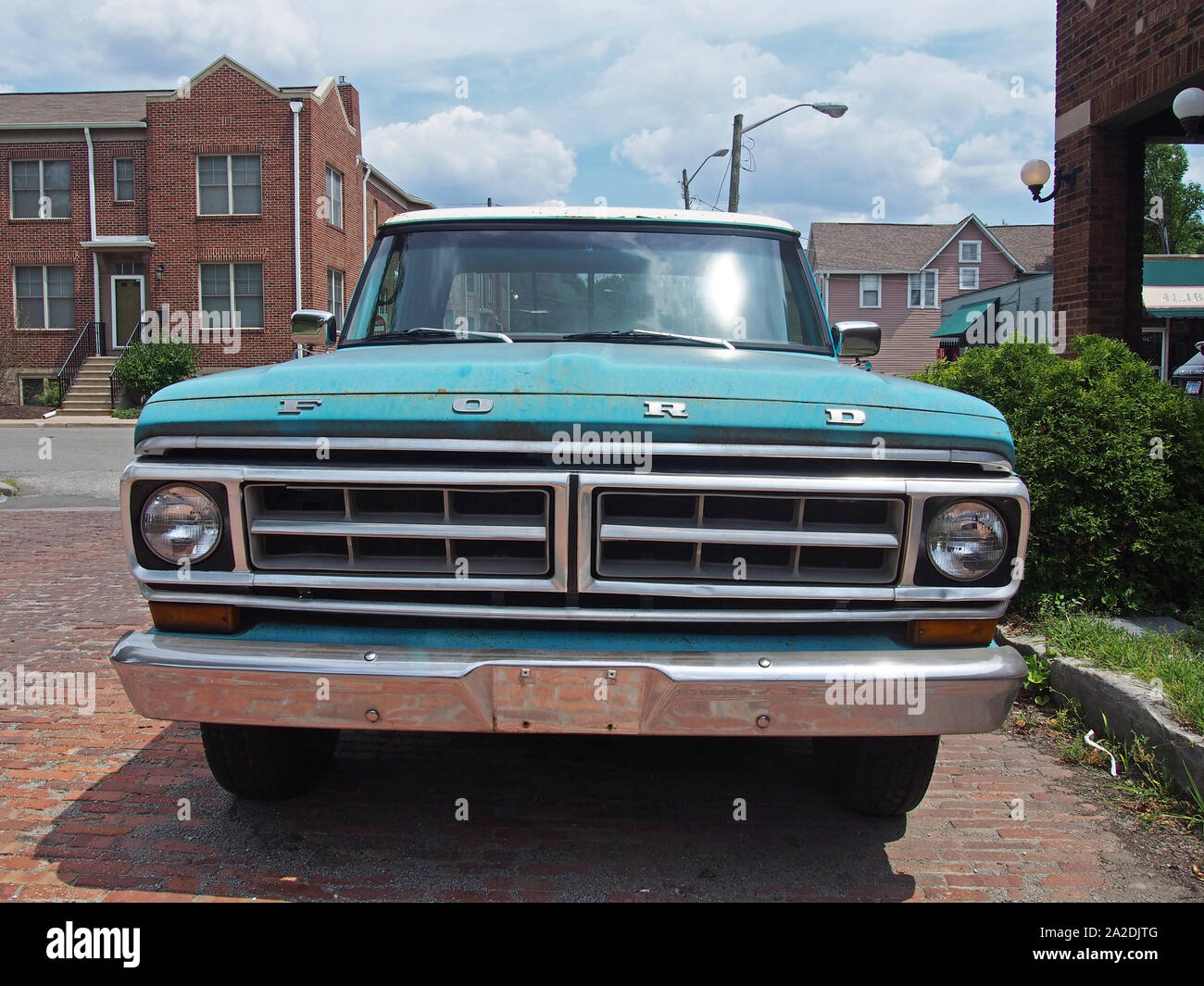 Antique Ford Flatbed Truck Camper Parked Along Historic 10th Street In Indianapolis Indiana Usa July 26 2019 C Katharine Andriotis Stock Photo Alamy