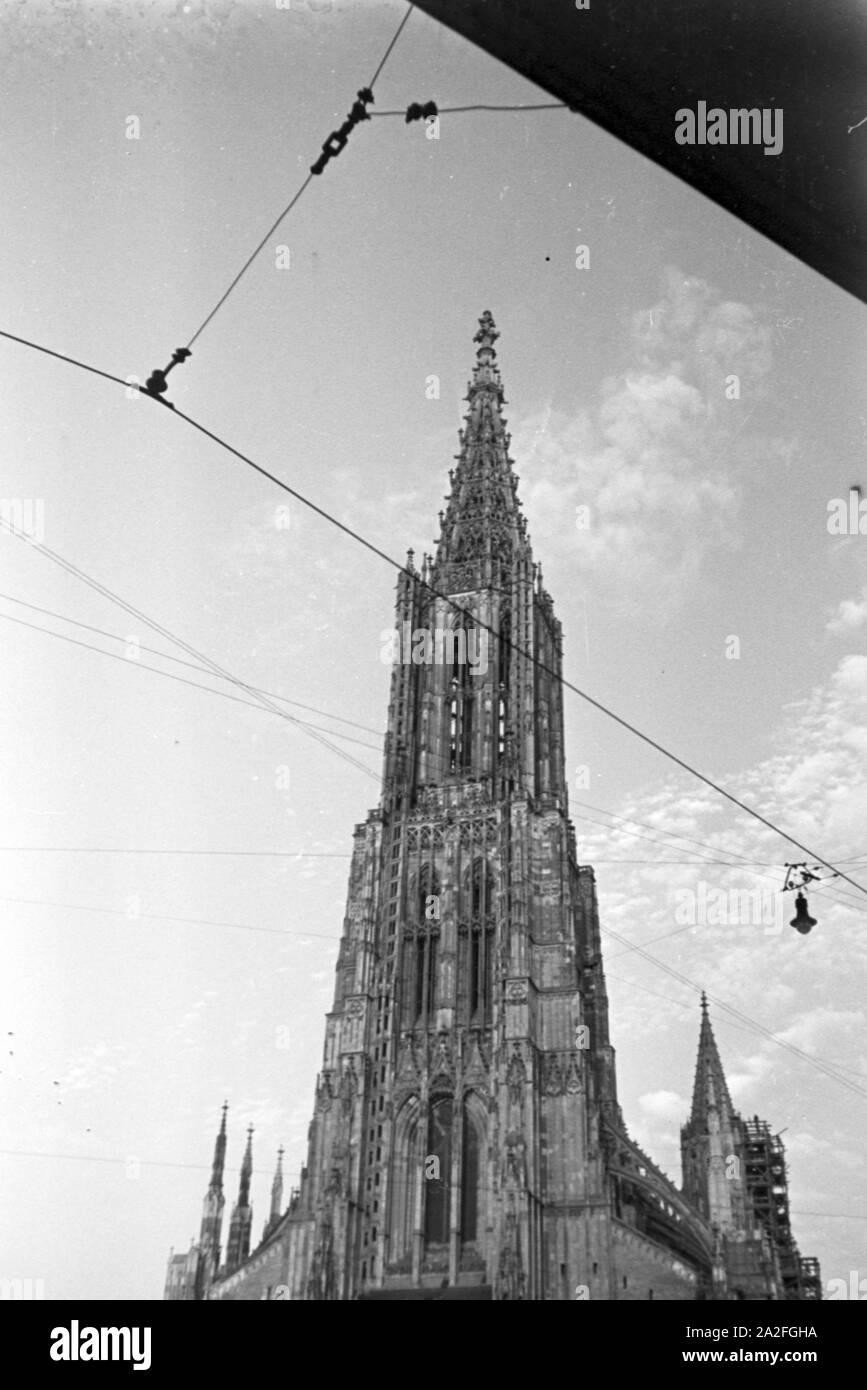 Das im gotischen Baustil erbaute Ulmer Münster, Deutschland 1930er Jahre. The Ulm Minster consturcted in Gothic style, Germany 1930s. Stock Photo