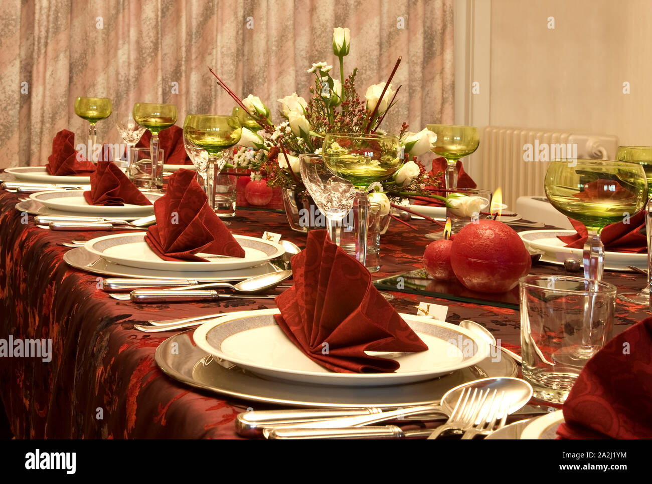 Christmas Dinner Table Elegant Napkins High Resolution Stock Photography And Images Alamy