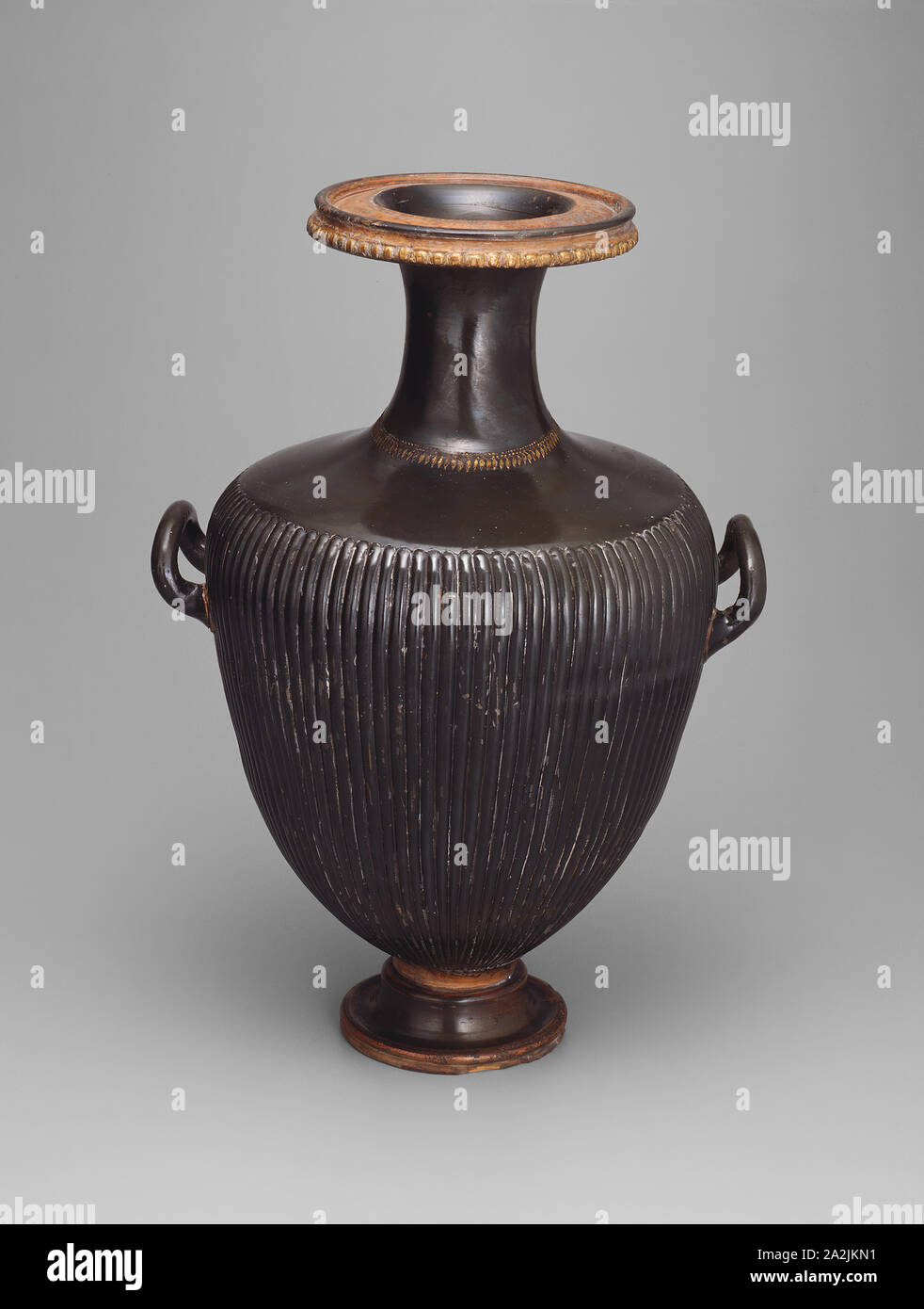 Hydria Water Jar 350 330 Bc Greek Campania Italy Puglia Terracotta Black Glaze Technique With Gilded Raised Clay Decoration And Ribbing 50 35 28 5 Cm 19 11 16 13 3 4 11 1 4 In Stock Photo Alamy
