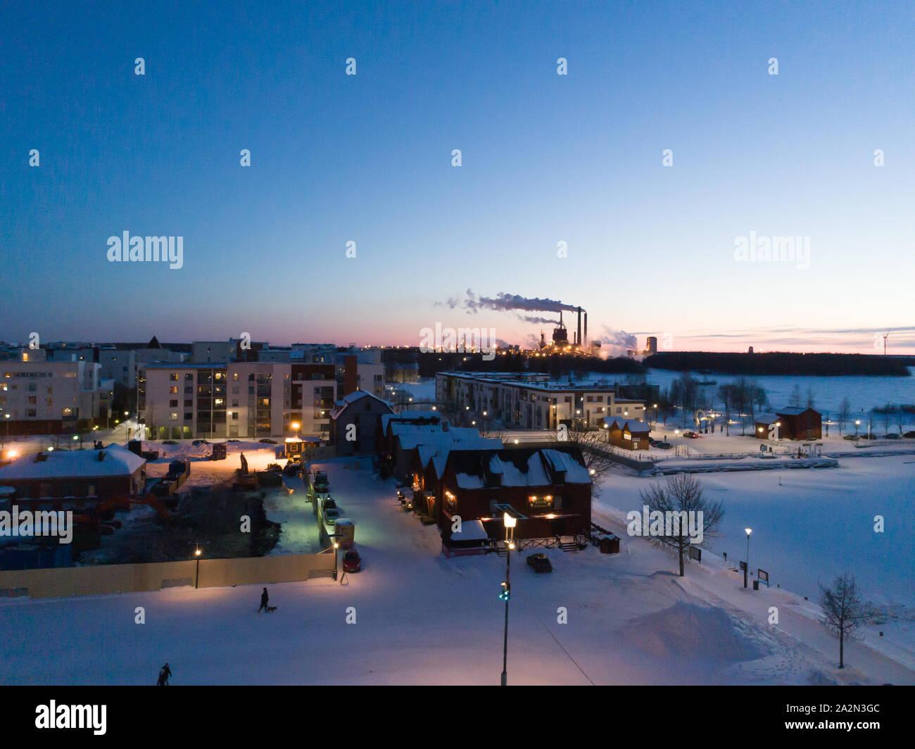 Oulun keskustaa ilmasta käsin talvella Stock Photo