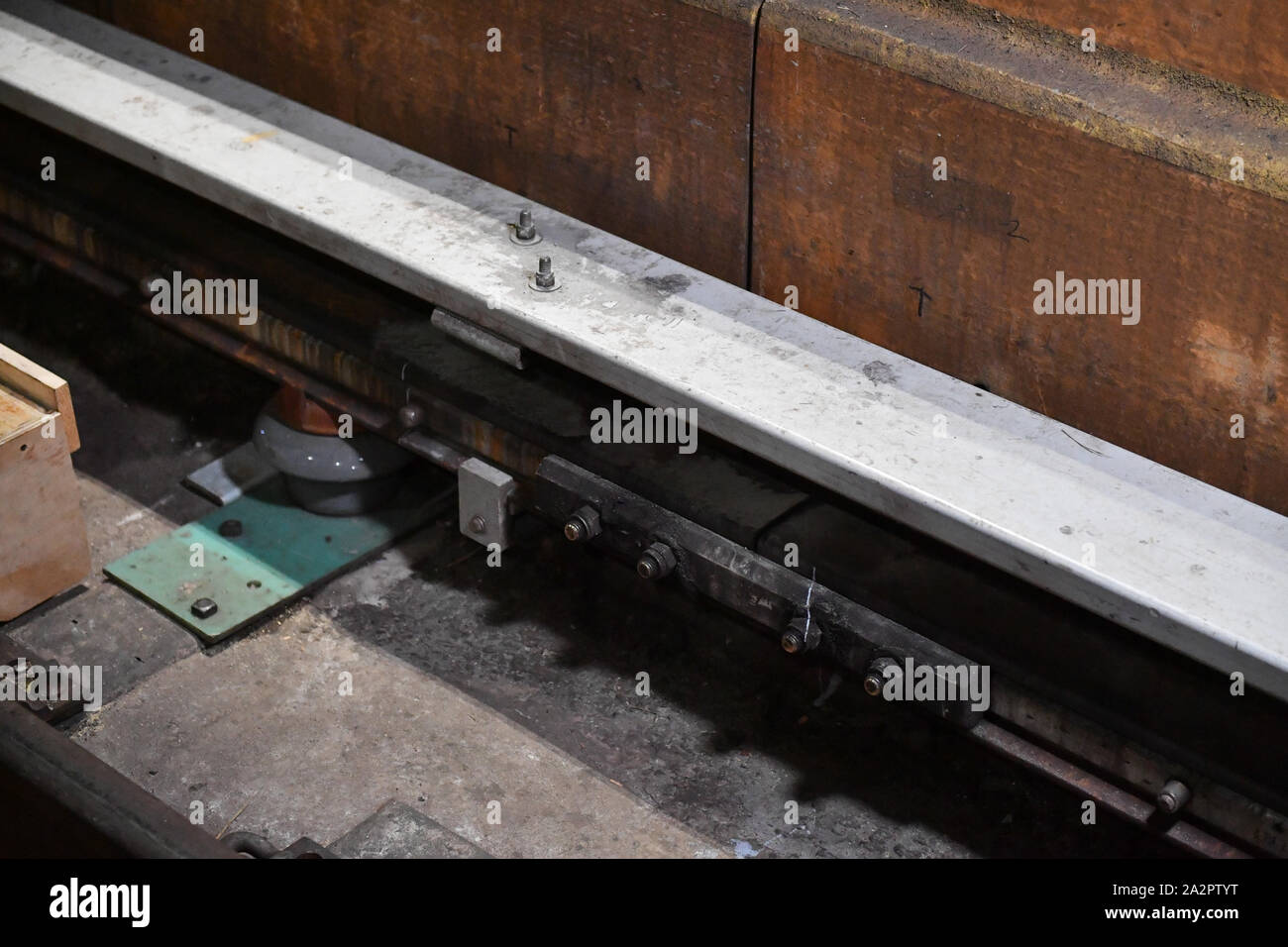 Governor Andrew Cuomo visit to the L Project tunnel rehabilitation, New York, USA - 29 Sep 2019 - The third rail is a method of providing electric pow Stock Photo