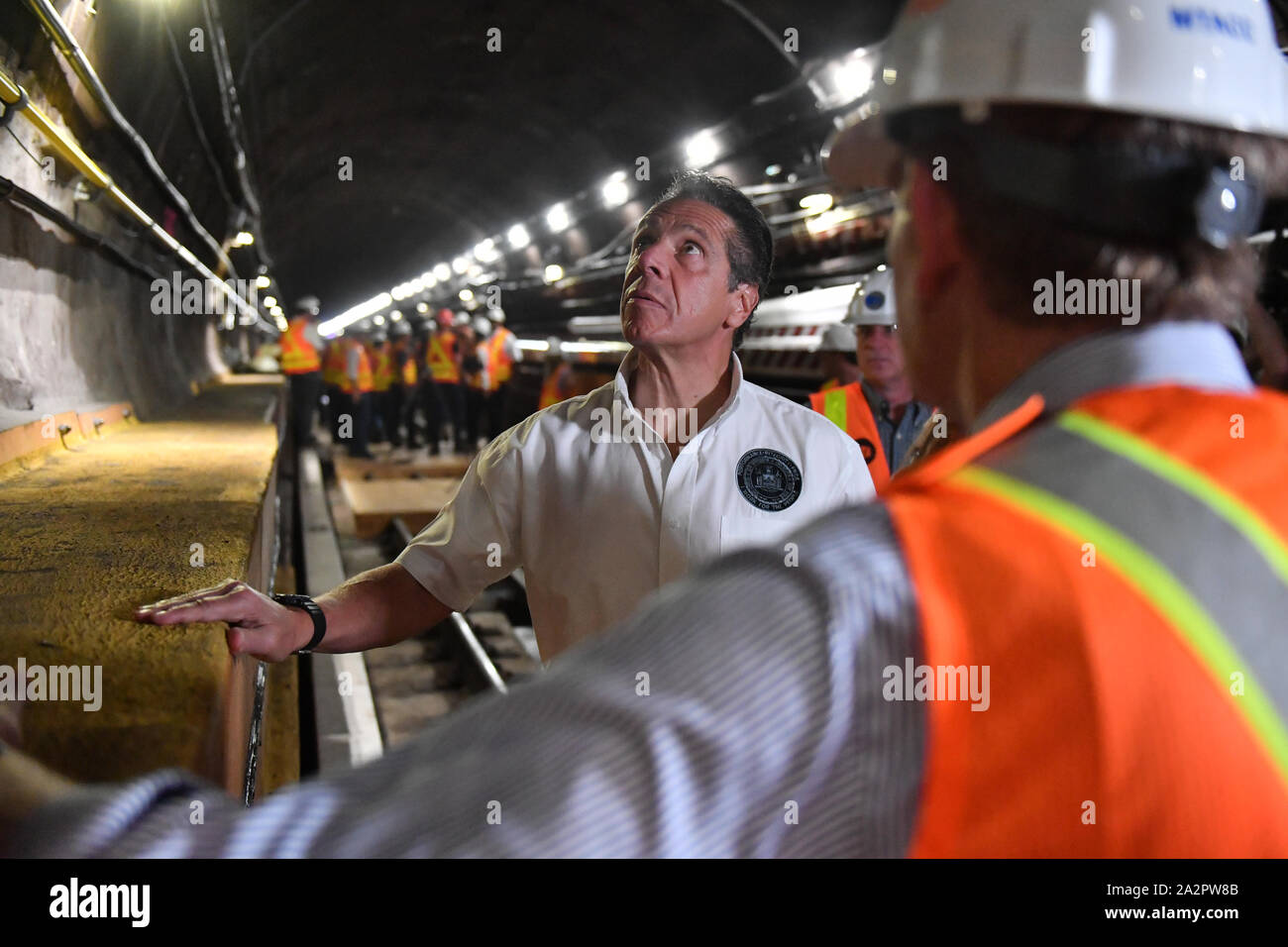 Governor Andrew Cuomo visit to the L Project tunnel rehabilitation, New York, USA - 29 Sep 2019 - Governor Cuomo and senior MTA leadership tour the co Stock Photo