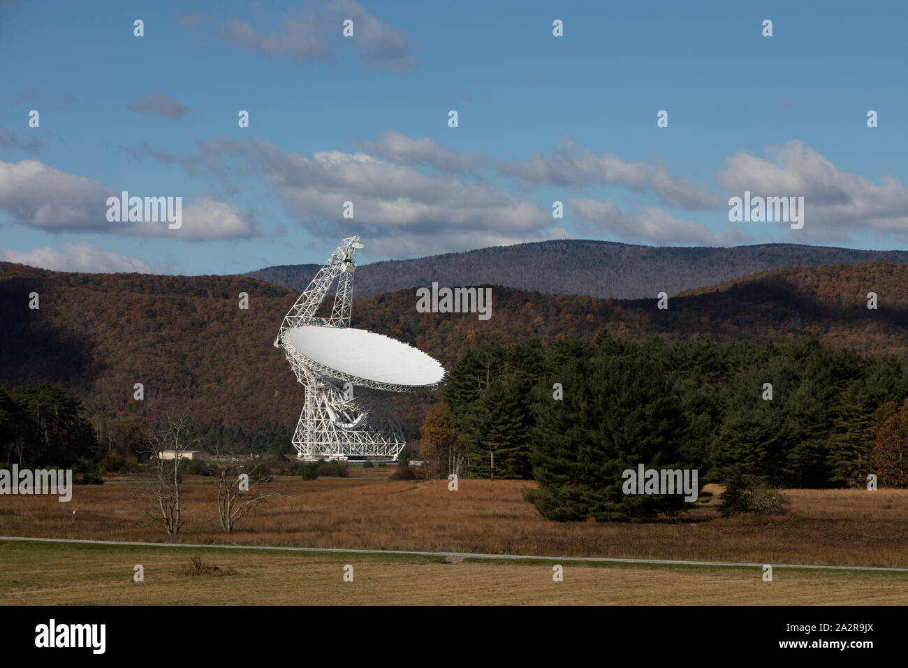 Radio telescope at the National Radio Astronomy Observatory in Green Bank, West Virginia Stock Photo