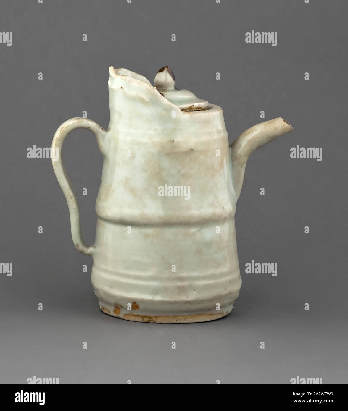 ewer with cover, White Glaze, 4-1/4 h, Asian Art Stock Photo