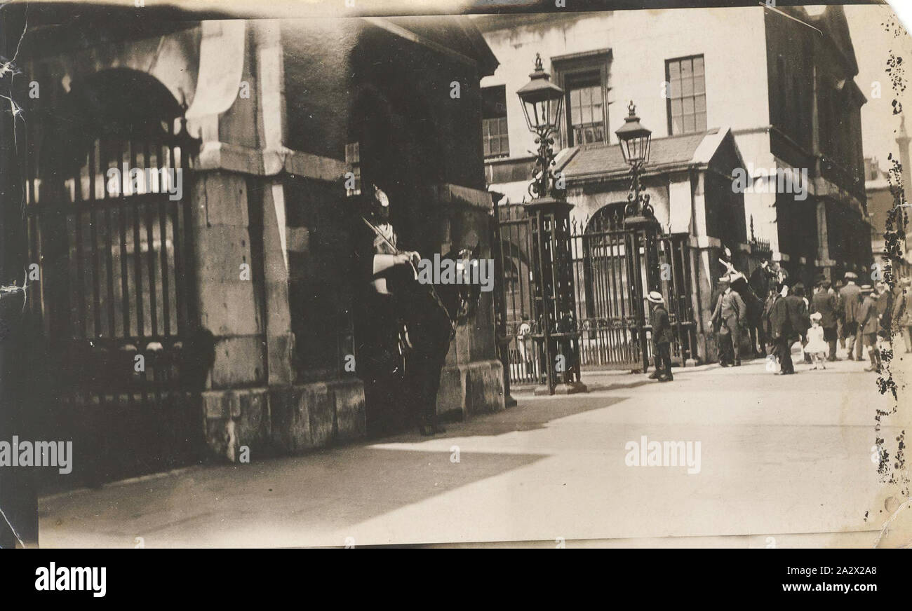 Photograph - Buckingham Palace, Changing of the Guard, Tom Robinson Lydster, World War I, 1916-1919, One of a collection of 60 small photographs taken by Tom Robinson Lydster during World War I. Lydster was assigned to the 14 Infantry Battalion - 5 to 12 Reinforcements, service number 3060. He served in the 4th Machine Gun Company. He was awarded the Military Medal and the Bar to Military Medal Stock Photo