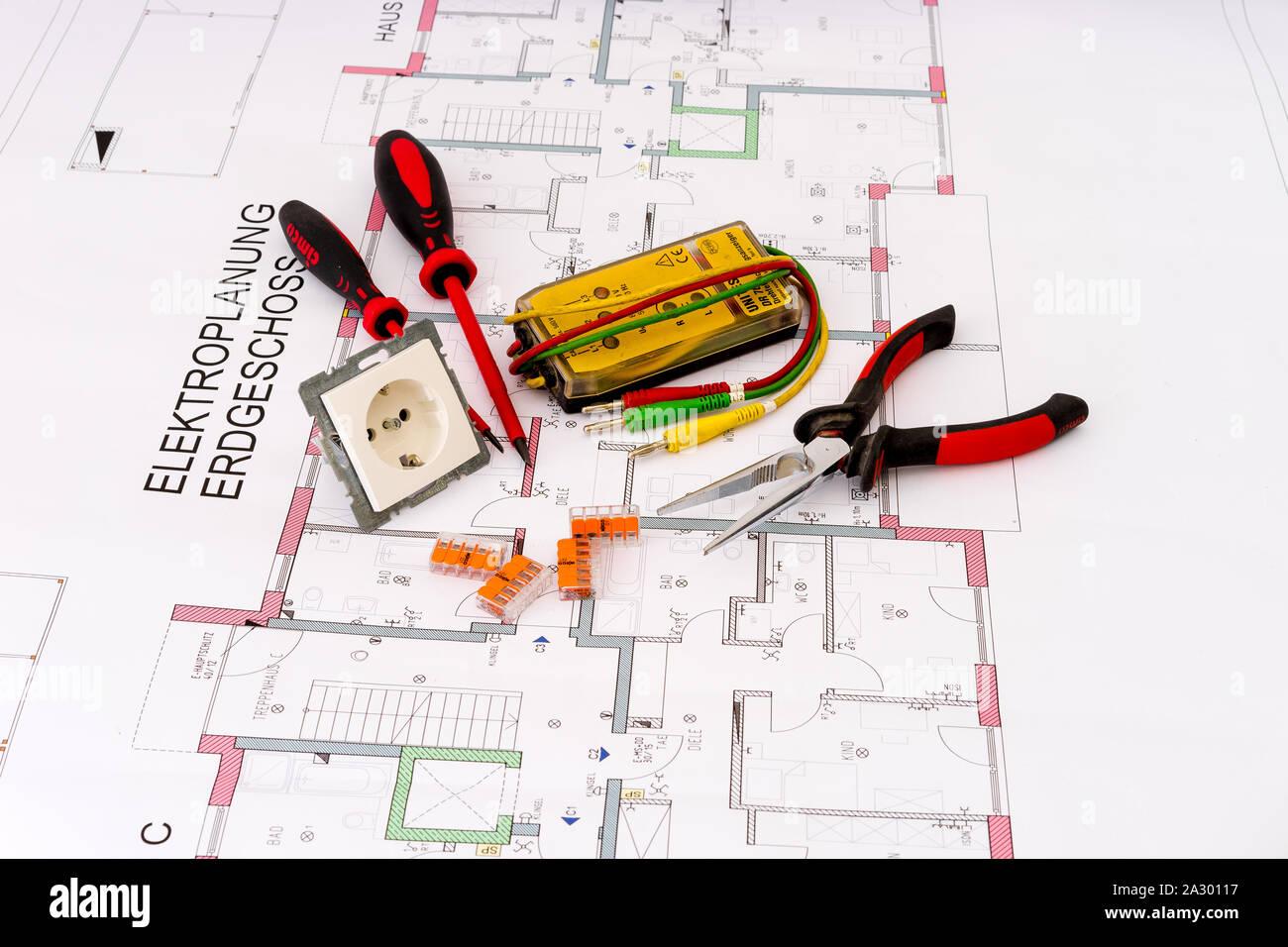 Produktfotografie Haustechnik mit Werkzeugen Stock Photo
