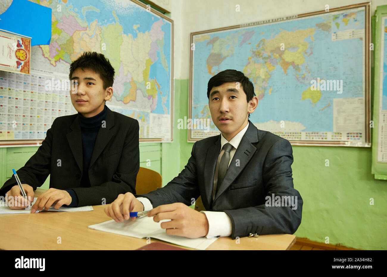 Russia Yakutsk School in a village Uzoktemetsy  Boys well dressed 3-02-2013 photo: Jaco Klamer Stock Photo