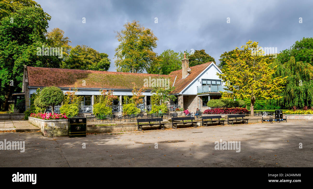 Hazlehead park cafe building with convenient outdoor seating area for food and refreshments, Aberdeen, Scotland Stock Photo