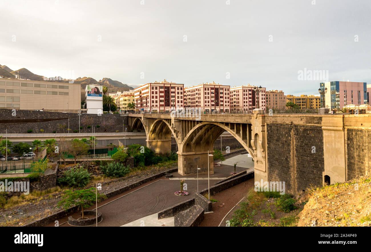 A stone arched bridge across Barranco de Santos which divides Santa Cruz de Tenerife city center, Canary Islands, Spain Stock Photo