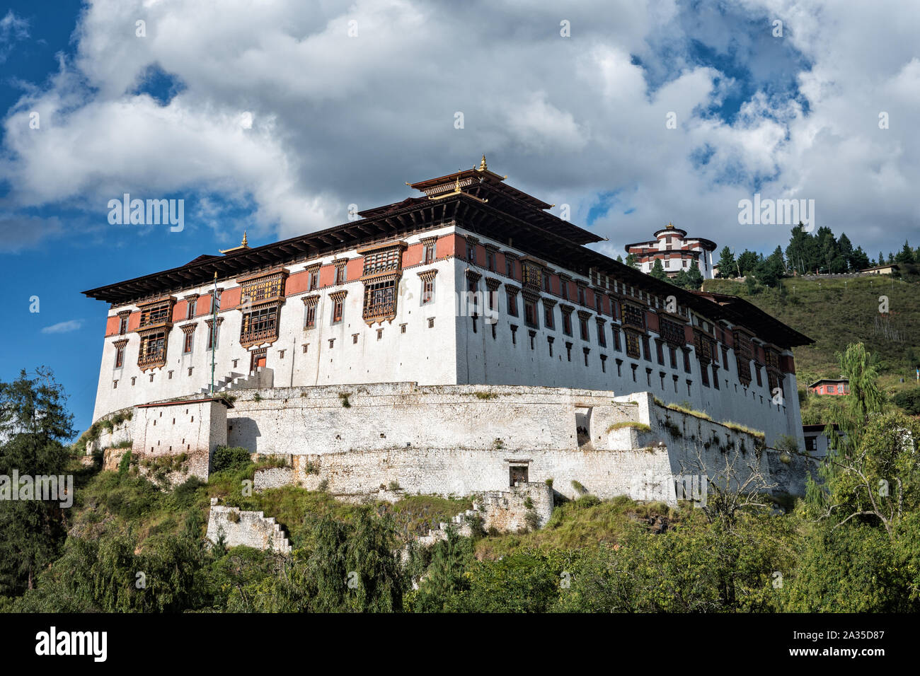 The Paro dzong (Rinpung Dzong) with the National Museum of Bhutan Stock Photo