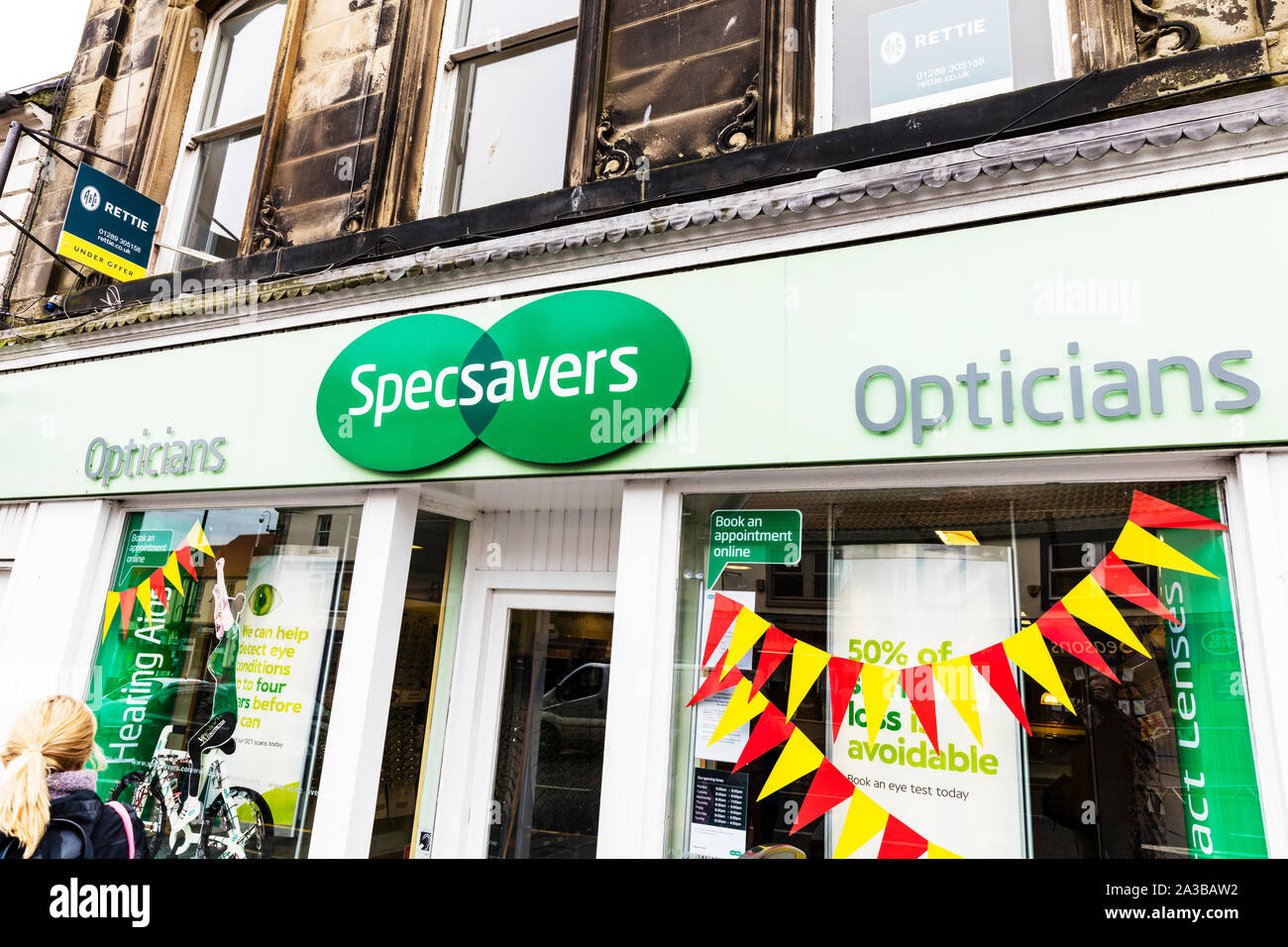 Specsavers shop sign optician high street shops, Specsavers opticians, Specsavers sign, Specsavers optician, Specsavers shop, Specsavers store, sign Stock Photo